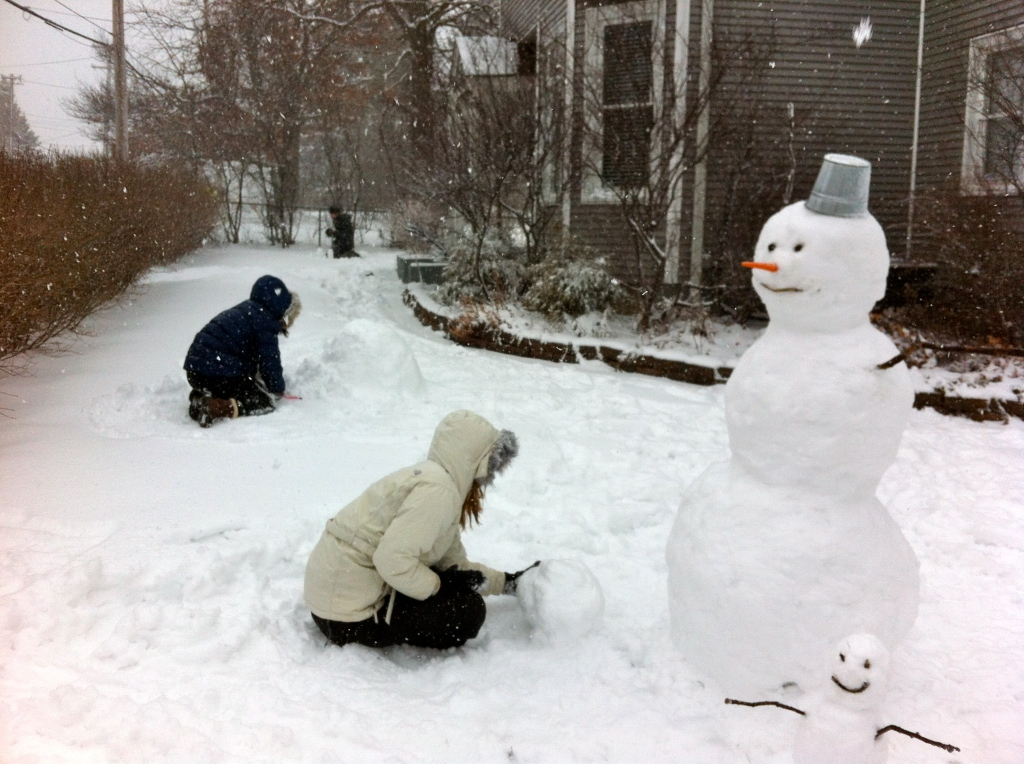 snow day snowman playing